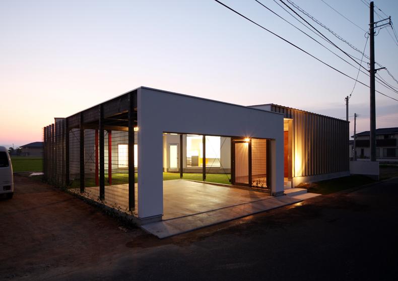 中庭の家-0