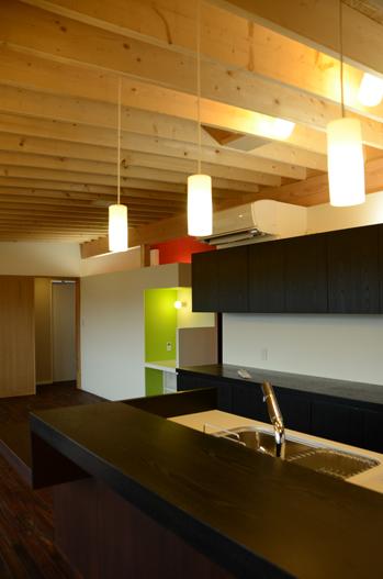 板張の家-4